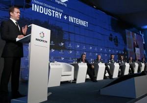 ИННОПРОМ: Дмитрий Медведев рассказал о планах по нормативной базе индустриального интернета