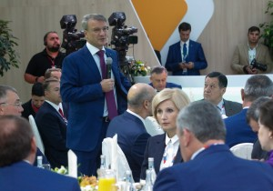 Анатолий Артамонов предложил пути мотивации российских регионов к повышению собственной налоговой базы