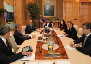 Рустам Минниханов встретился с генеральным директором АО «Сбертех» Алисой Мельниковой