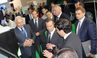 Дмитрий Медведев высоко оценил станки из Липецкой области