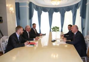 Н.И.Меркушкин провел рабочую встречу с руководством «Джи Эм-Автоваз»