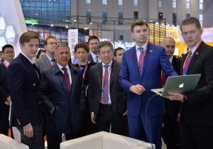 Рустам Минниханов принимает участие в промышленной выставке CIIF-2016