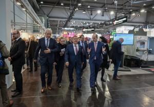 Рустам Минниханов посетил в Лейпциге международную выставку запчастей, комплектующих и технологий «Z/Intec-2017»